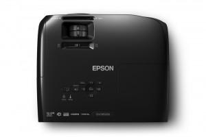 otzyvy-i-obzor-proektora-dlya-igr-epson-eh-tw5200-2